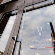 Restaurant Pantographe vitre logo extérieure